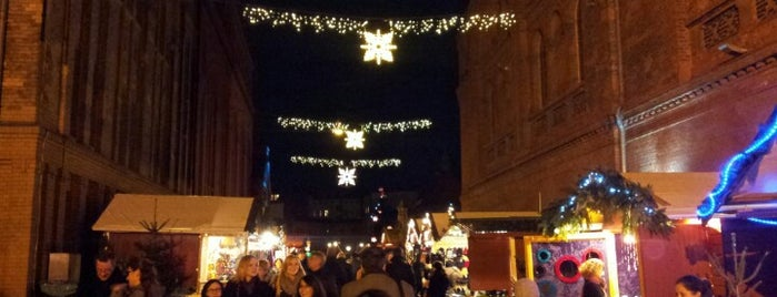 Lucia Weihnachtsmarkt is one of Lugares favoritos de Babbo.