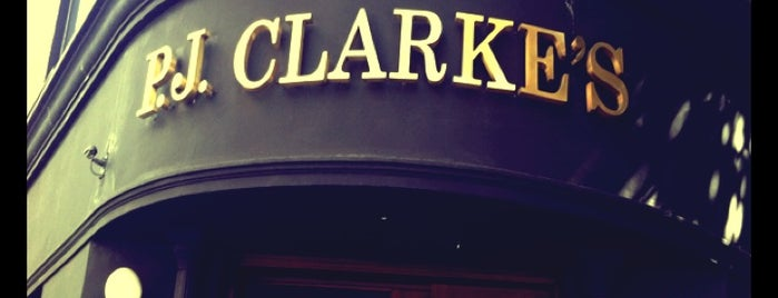 P.J. Clarke's is one of Orte, die Fran gefallen.