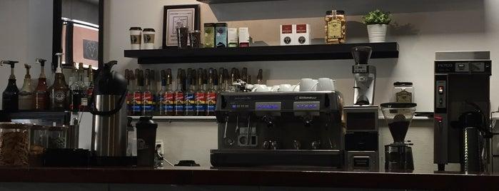 The Buzzed Goat Coffee Bar is one of สถานที่ที่ Geof ถูกใจ.