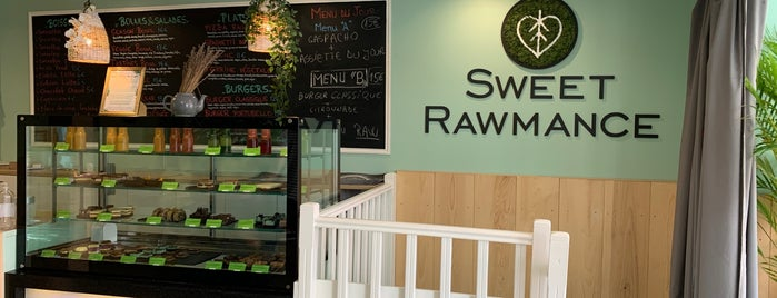 Raw Cakes is one of RestO.