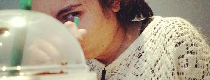 Starbucks Manuel Montt is one of Viviana Carolina 님이 좋아한 장소.