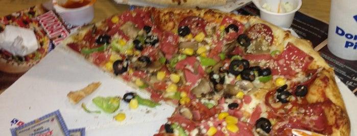 Domino's Pizza is one of Lugares favoritos de Onur.