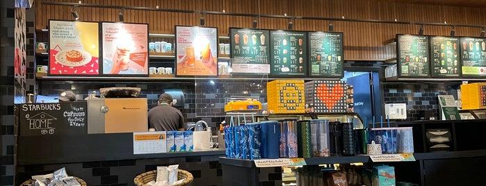 Starbucks is one of Lieux qui ont plu à Badr.