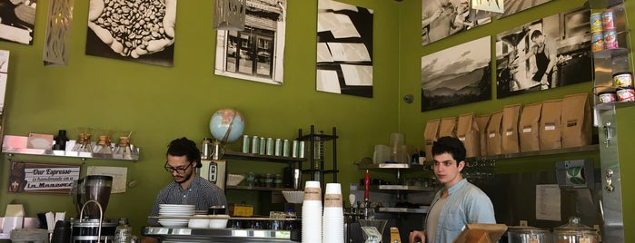 GreenStreet Coffee Roasters is one of Tempat yang Disukai Jake.