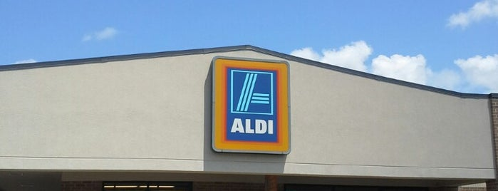 Aldi is one of Locais curtidos por JR.