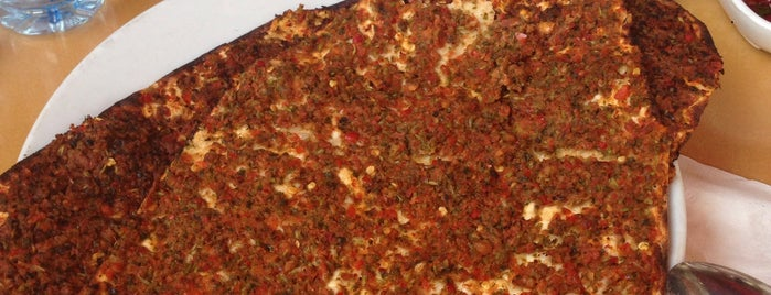 Asiller Kebap ve Lahmacun Salonu is one of Mennanさんのお気に入りスポット.