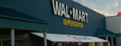 Walmart is one of Tempat yang Disukai GIlberto.