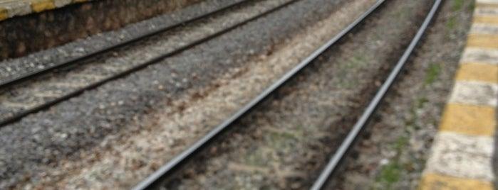 Küçükyalı Tren İstasyonu is one of Emrahさんの保存済みスポット.