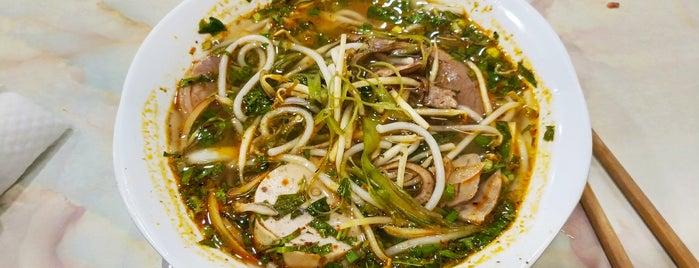 Bánh canh cua Bà Dạng is one of ăn hàng.