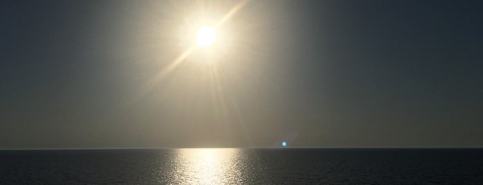 Jadrolinija Bari - Dubrovnik Ferry is one of Lieux qui ont plu à Laura.