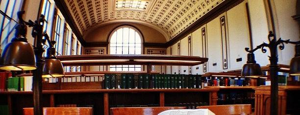 Doe Library is one of Tempat yang Disukai Maia.