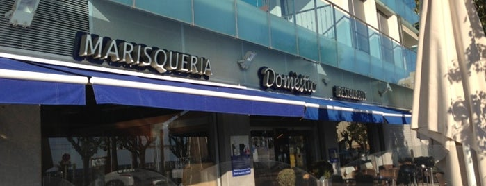 Domèstic Restaurant Marisqueria is one of Locais curtidos por Oscar.