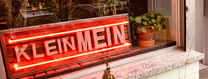 KleinMein is one of Cafés Berlin.