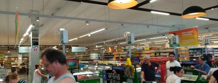 Sonda Supermercados is one of Lieux qui ont plu à Camilla.
