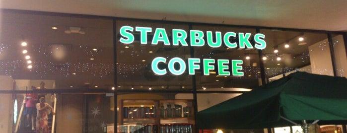 Starbucks is one of Locais curtidos por Angel.