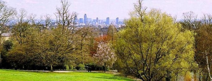Waterlow Park is one of London.