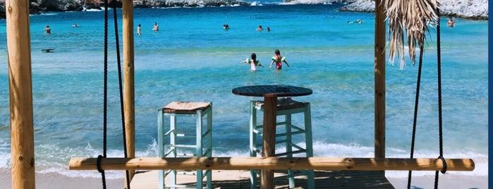 Livadaki Beach is one of Gürkan: сохраненные места.