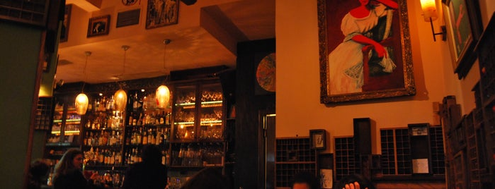 La Ronda is one of Athens 🍸 🍹 🍷 🍻 🍵 🍴.