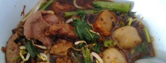 ก๋วยเตี๋ยวห้วยพลู is one of Beef Noodle in Bangkok.