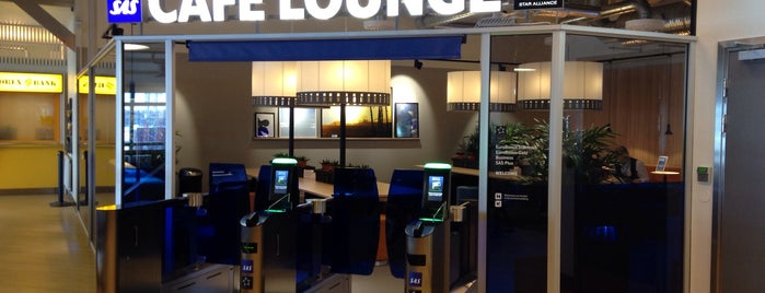SAS Cafe Lounge is one of Locais curtidos por Simon.