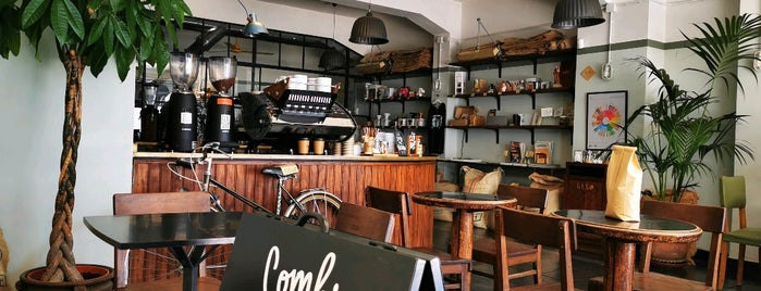 Combi Coffee Co. is one of Locais salvos de Alex.