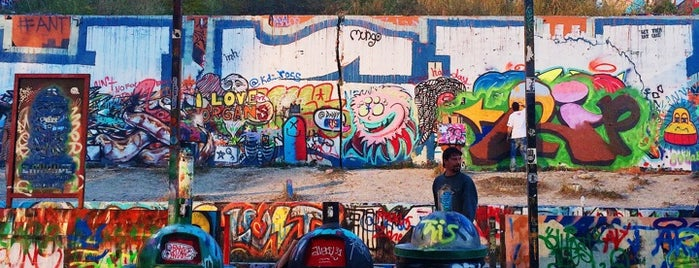HOPE Outdoor Gallery is one of Austin Trip.
