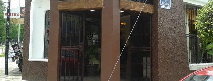 Tortas Ahogadas Rober's is one of สถานที่ที่ Anaa Christina ถูกใจ.