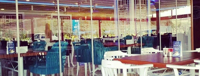 Cool Escape Cafe & Bistro is one of Lieux sauvegardés par Ersin B..