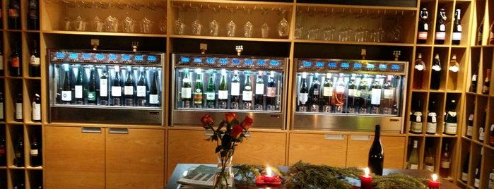 Lavida Wine Club is one of Posti che sono piaciuti a Y.Emre.