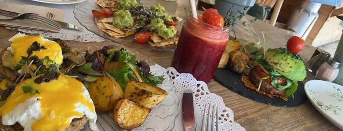 Organic Market & Food is one of Málaga.