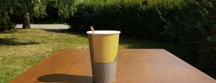 V jednom kole is one of Kde si pochutnáte na kávě doubleshot?.