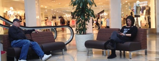 Forever 21 is one of Lieux qui ont plu à Samah.
