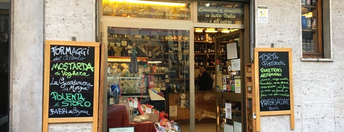 El Vinatt enoteca is one of Pub & Birrifici.