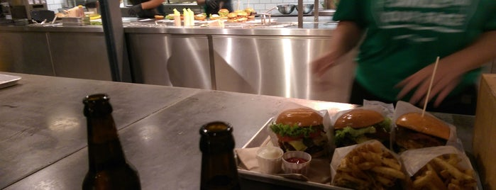 Jamy's Burger is one of Vangelisさんのお気に入りスポット.