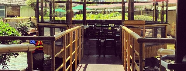 Pagoda Floating Restaurant & Catering is one of Favorite Local Kine Hawaii.