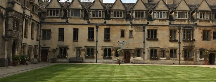 Brasenose College is one of Tempat yang Disimpan Tobias.