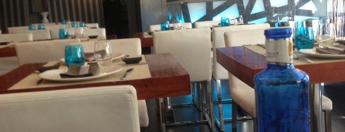 Lounge Yi is one of Orte, die Álvaro gefallen.