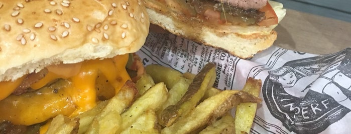 Burger Corner is one of Burger / Bagels 🍔.