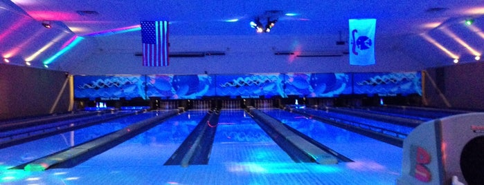 West Point Bowling Center is one of Lugares favoritos de Merlina.