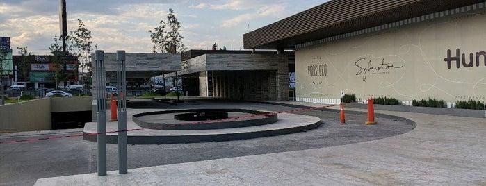 Plaza Satélite is one of Guía de barrio, Ciudad de México.