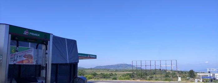 Gasolineria MEX15D (Zinapecuaro, Michoacan) is one of Xavier 님이 좋아한 장소.