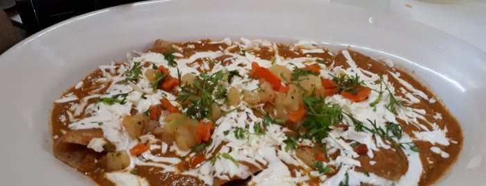 "Restaurant ""La Central"" Real del Monte is one of สถานที่ที่ Klawdy@ ถูกใจ."