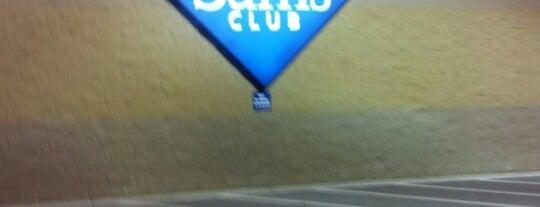Sam's Club is one of Locais salvos de Rebecca.