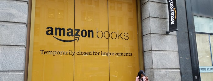 Amazon Books is one of Matthew'in Beğendiği Mekanlar.