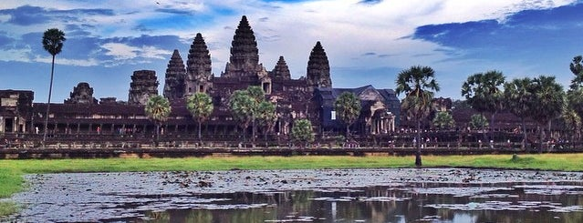 アンコールワット is one of Angkor Archaeological Park Highlights.