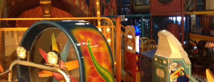 Tepe Nautilus Play Planet is one of Tempat yang Disimpan Mustafa.