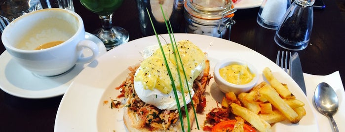 Lennox Cafe Bistro is one of Wish List.