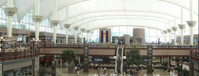 Aeroporto Internacional de Denver (DEN) is one of Locais curtidos por Jingyuan.