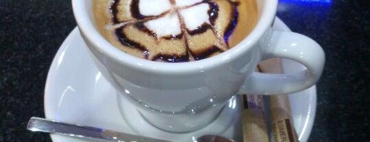 Tobacco - Coffee & Shop is one of Posti che sono piaciuti a Merve.