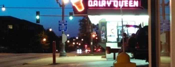 Dairy Queen is one of Lugares favoritos de James.